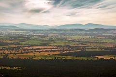 Australisch platteland - gebieden, heuvels, bossen Stock Afbeelding