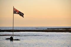 Australische Flagge am frühen Morgen lizenzfreie stockbilder