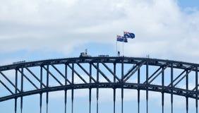 Australische Flaggen beleidigen über Sydney Harbour Bridge Lizenzfreie Stockfotografie