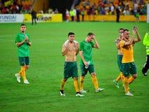 Australische Fußball-Spieler, die der Menge danken Lizenzfreie Stockfotografie