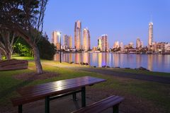 Australische moderne Stadt am Abend stockfoto