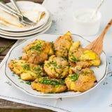 Australische Neerstortings Hete Aardappels met Zure room Stock Afbeeldingen