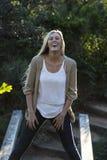Australische Schoonheid met het Lange Blonde Lachen Stock Foto's