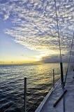 Australische zonsondergang van het dek van een varende boot royalty-vrije stock foto's