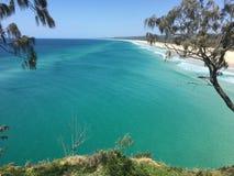 Australischer Inselstrand im Sommer Stockbilder