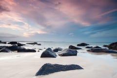 Australischer Strand an der Dämmerung Stockfotografie