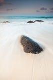 Australischer Strand des Regenbogenschachtes in Queensland Lizenzfreies Stockbild