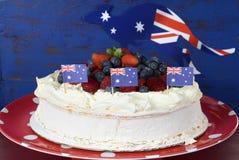 Australischer traditioneller Nachtisch, Pavlova, Stockfotografie