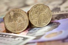 Australisk och amerikansk pengarvalutabakgrund Arkivfoton