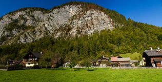 australites Η πόλη Hallstatt, μια όμορφη, πόλη τουριστών στη λίμνη μεταξύ των μεγάλων βουνών στοκ φωτογραφίες με δικαίωμα ελεύθερης χρήσης