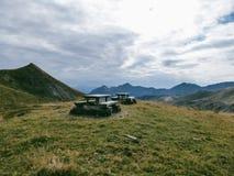 Austria - bancos en las montañas imagenes de archivo