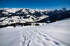 Austria - caminando en las montañas del heler del ¼ de Kitzbà Foto de archivo