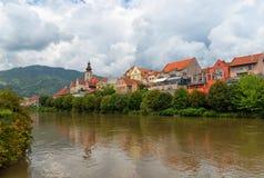 Austria Frohnleiten Stary miasteczko i rzeki Mur zdjęcia royalty free