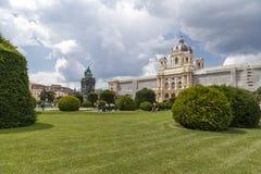 Austria, Wiedeń, widok historii naturalnej muzeum i ogród Obraz Royalty Free