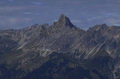 Austriaccy alps: Pasmo górskie wokoło Schruns w Montafon val obraz stock