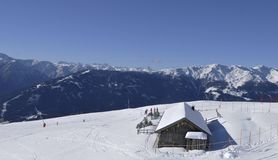 Austriaccy alps: Zima sporta region w Lienz mieście obraz royalty free