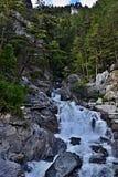 Austriacki góra strumień nad miastem Pfunds Fotografia Royalty Free