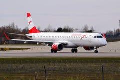 Austrian Airlines θλεμψραερ erj-195 Στοκ φωτογραφίες με δικαίωμα ελεύθερης χρήσης