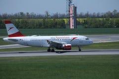 Austrian Airlines в авиапорте вены, СОПЕРНИЧАЕТ Стоковая Фотография RF