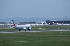 Austrian Airlines в авиапорте вены, СОПЕРНИЧАЕТ Стоковое Изображение