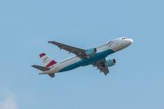 Austrian Airlines aplana Fotos de Stock Royalty Free