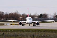 Austrian Airlines Embraer ERJ-195 Arkivbild