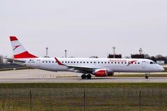 Austrian Airlines Embraer ERJ-195 Lizenzfreie Stockfotos