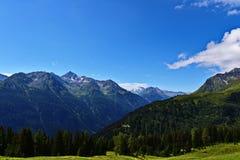 Austrian& x22; panorama de las montañas de s Fotografía de archivo
