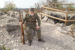 Austro-ungrare soldat av världskriget I med vapnet Fotografering för Bildbyråer