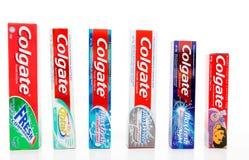 Auswahl der Colgate-Zahnpasten Stockfotos