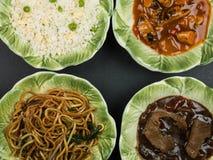 Auswahl des chinesischen Lebensmittel-Eies Fried Rice Sweet und des sauren Huhns Stockfoto
