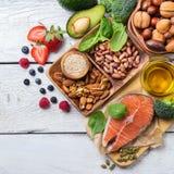 Auswahl des gesunden Lebensmittels für Herz, Lebenkonzept Stockbild