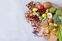 Auswahl des gesunden reichen Lebensmittels des Faserquellstrengen vegetariers für das Kochen lizenzfreies stockfoto