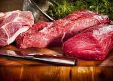 Auswahl des rohen Fleisches Stockfotos