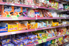 Auswahl von Bonbons und von Kuchen Lizenzfreies Stockbild