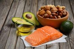 Auswahl von gesunden fetten Quellen Stockfotos