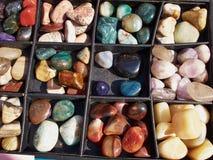 Auswahl von Halbedeledelsteinen Stockbilder