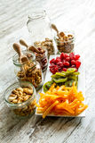 Auswahl von Trockenfrüchten Stockbild