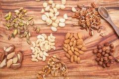 Auswahl von Trockenfrüchten oder von Nüssen Stockfotografie