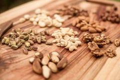 Auswahl von Trockenfrüchten oder von Nüssen in einem Glas Stockfoto