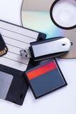 Auswahl von verschiedenen Computerspeichergeräten Lizenzfreie Stockfotos