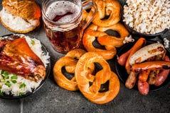 Auswahllebensmittel für Oktoberfest stockfotografie