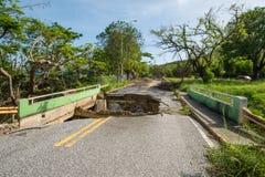 Auswaschung auf Puerto- Ricostraße in Caguas, Puerto Rico Lizenzfreies Stockfoto