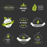 Ausweise des biologischen Lebensmittels Lizenzfreie Stockbilder