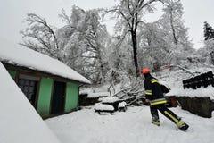 Auswirkungen von starken Schneefällen Stockbild
