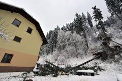 Auswirkungen von starken Schneefällen Stockbilder