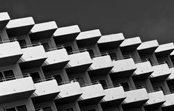 Auszug mit Balkonen Stockfotos