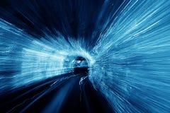 Auszug unscharfer heller Tunnel Lizenzfreies Stockfoto