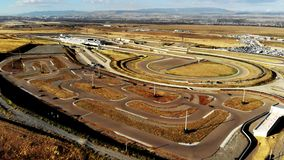 Autódromo no anel internacional do circuito de Rustavi Motorpark video estoque