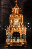 Autel ambre dans le château gothique Malbork, Pologne photographie stock